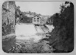 Vue de la papeterie des Charbonniers (Thiers, Puy-de-Dôme) à partir de la rivière (Durolle).